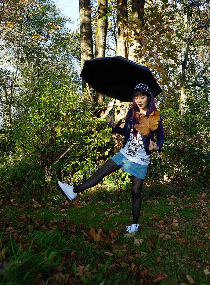 fashion blogger fall leaves autumn outfits instagram