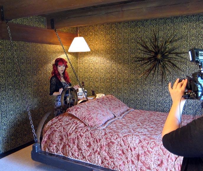 Bed Kitsch Theme Hotel Rooms Fantasy Strange Retro Love Hotels