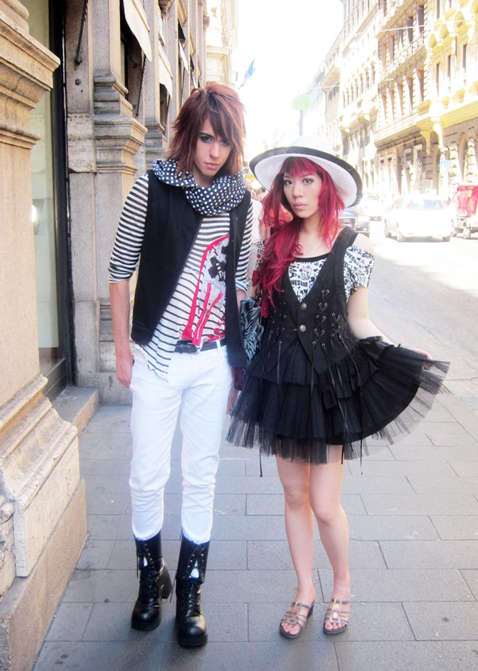 ROME, ITALY GOTH PUNK FASHION! BEST ROME PIZZA RESTAURANT, FOUNTAIN DE TREVI, SPANISH STEPS, LITTLE PRINCE PAJAMAS. ITALY ROMANTIC TOURISM, TIPS travel in italy, europe romantic vacations, trips tours in italia, rome hotels, italy sightseeing, travel guides, traveling, vacation in roma, black white floppy sunhat, japanese goth punk, japan subculture fashion, street style japan, alternative culture