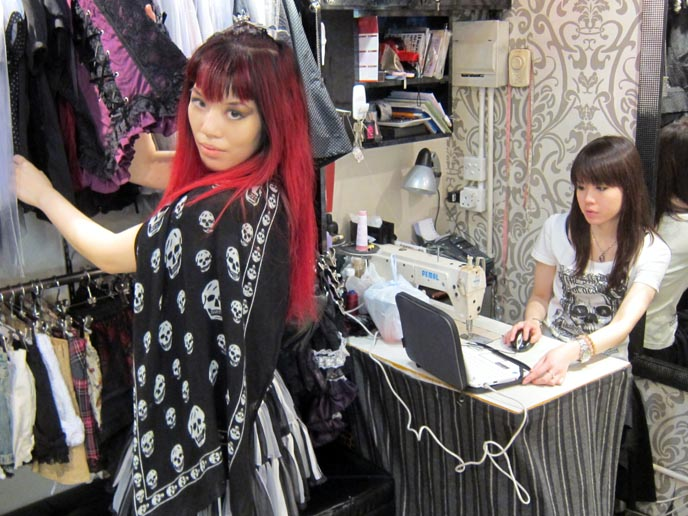 spider mongkok, GOTHIC LOLITA SHOPs in hong kong, china,  goth punk fashion hong kong, SPIDER sHOPPING IN MONGKOK: BEST CHEAP DISCOUNT CLOTHES, ANIME OTAKU MALLS. streetwear, best asia street style, hong kong shopping guide, goth jewelry, alternative brands, chinese lolitas, china goth, cute kawaii characters, urban street brands, CHINA streetwear, trendy chinese brands, MONGKOK SHOPS, BEST CHINESE MALLS. CIRCLE CONTACT LENS, COSPLAY. C BAY, CAUSEWAY BAY, HONG KONG SHOPPING MALLS GUIDE: WORLD TRADE CENTRE. CUTE STATIONERY, ACCESSORIES & WOMENS CLOTHING. hong kong shopping, fashion malls, shopping centers hk, shopping attractions, wtc, world trade center asia