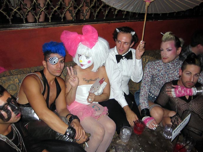 los angeles gay clubs, hello kitty hair, how to do lady gaga hair bow, hair bows hairstyle technique, mr black, lgbt clubs bars in la, california, hollywood, bardot nightclub, lenora claire, clint catalyst, zoetica ebb, coilhouse, glam makeup, drag queens, transsexuals, los angeles vip tables reservation, most exclusive clubs