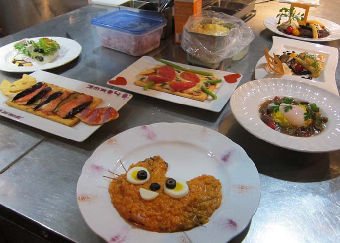 cute food, cute bento boxes, cute yummy time, fun food for kids, cute cooking, caterpillar sushi, WORLD'S WEIRDEST RESTAURANTS, FOOD NETWORK: ALICE IN WONDERLAND CAFE, SHINJUKU TOKYO JAPAN. GOTH LOLITAS. bob blumer, tv host, travel channel, glutton for punishment, alice theme restaurant, alice wonderland restaurant, crazy japan theme cafes, maid cafes, tv hosting, fixing, japan production arrangers