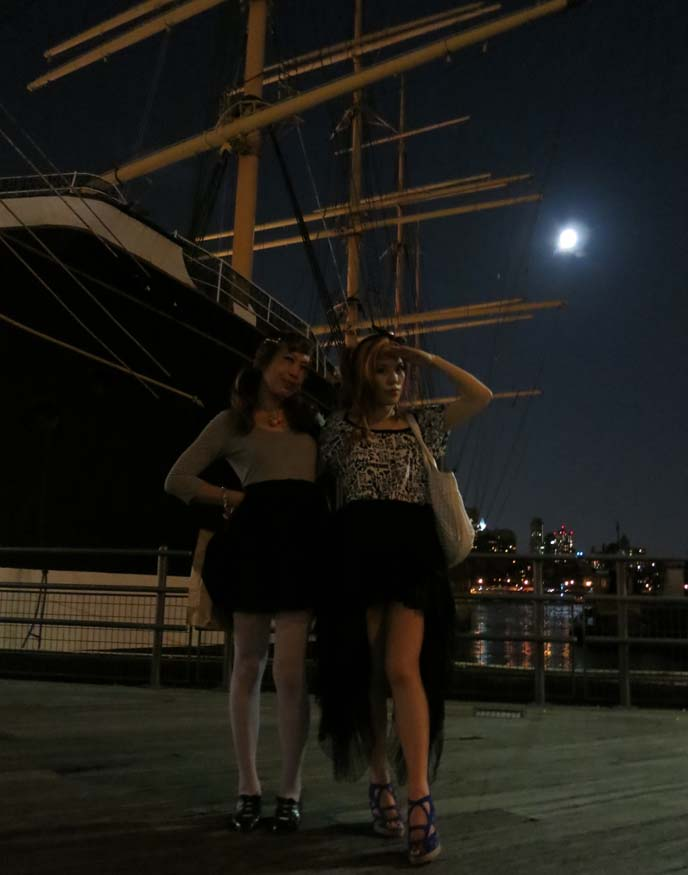 Dances of Vice, Burlesque Cruise, big white hat, goth aristocrat fashion, mullet skirt, south seaport