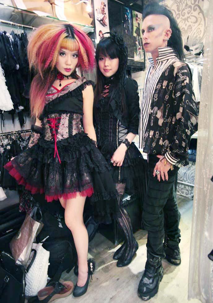 dark beauty magazine, goth model, gothic modeling, alternative model, la carmina goth, lolita dress
