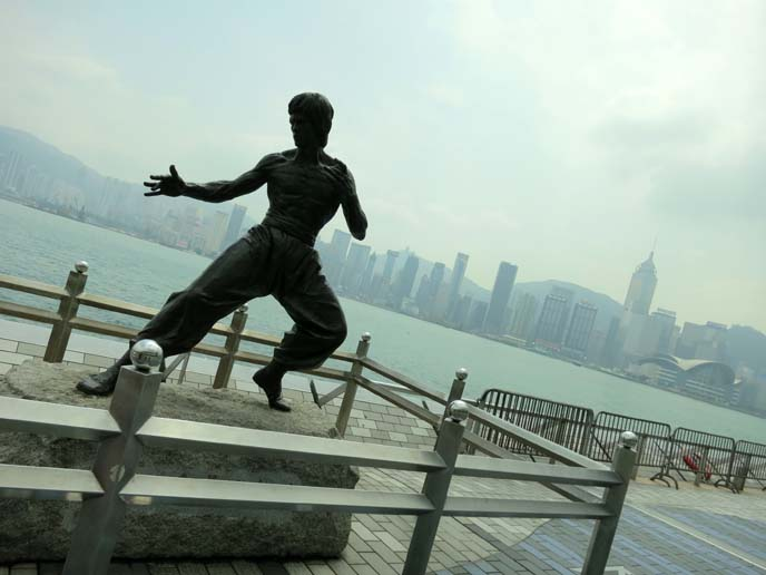 Bruce Lee statue, Avenue of Stars in Tsim Tsa Shui, hong kong bruce lee monument