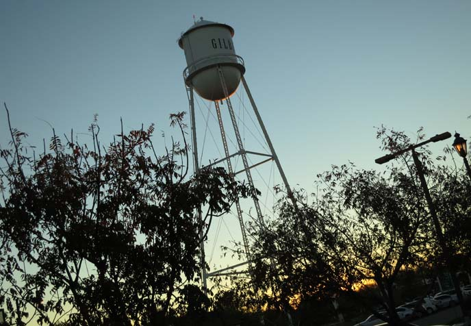 gilbert arizona, gilbert water tower, women travel blogs, tv host