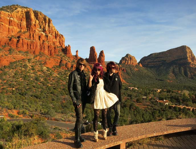 Sedona, Arizona, road trip, New Age Center, UFOs, aura readings & vortex.