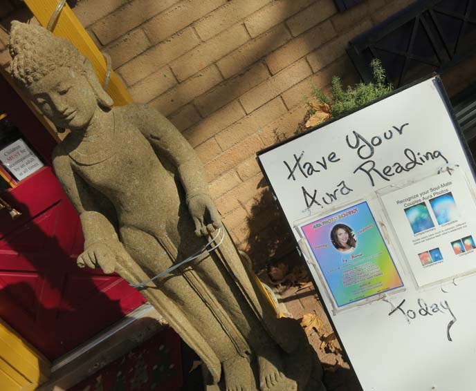 vortex tours, aura photography, psychics, palm readers, healing stones and crystals, Sedona, Arizona