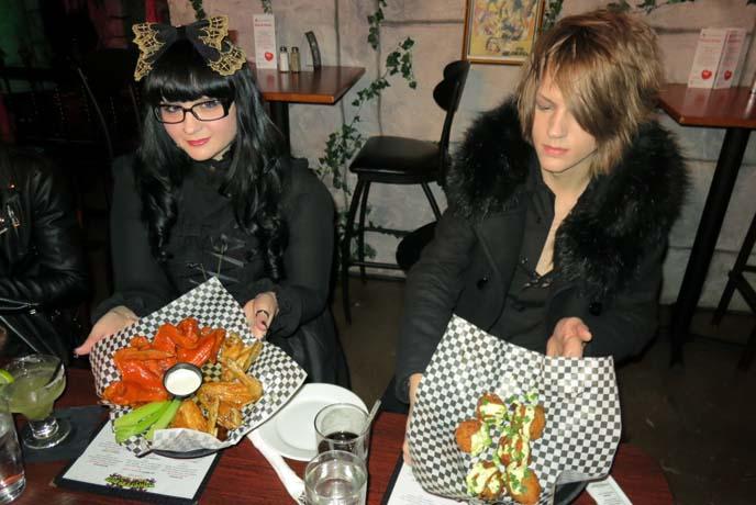 Monsterland food, horror halloween food, halloween cooking