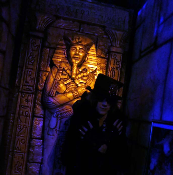 mesa halloween, haunted houses phoenix arizona, monsterland