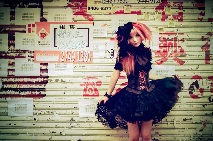 GOTHIC LOLITA brands hong kong, china gothic, goth punk fashion hong kong, spider gothic lolita dress, goth magazine model
