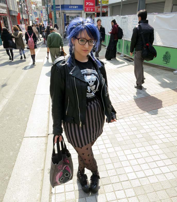 purple blue hair, space goth, pastel goths, spiky hair band, hipster glasses