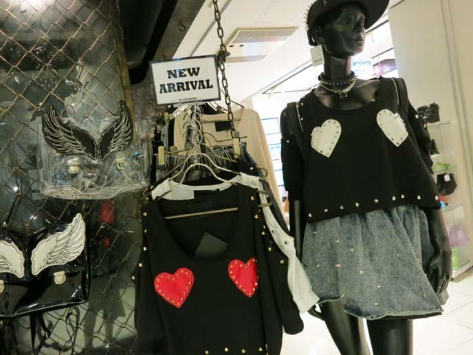 crop top tokyo, heart pattern shirt