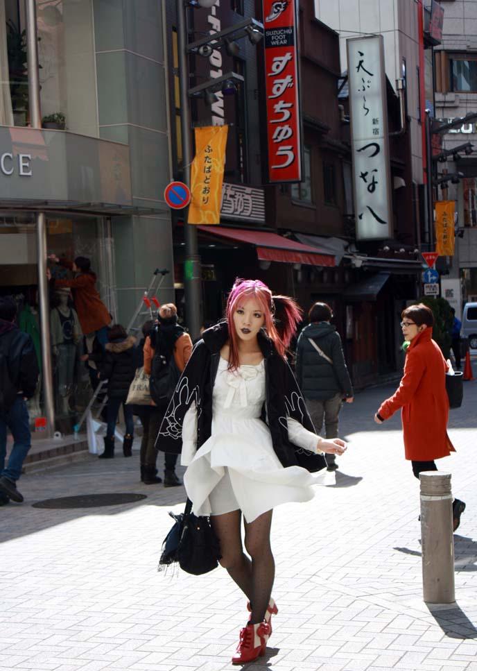 hello kitty dress, shinjuku fashion, tokyo street snap