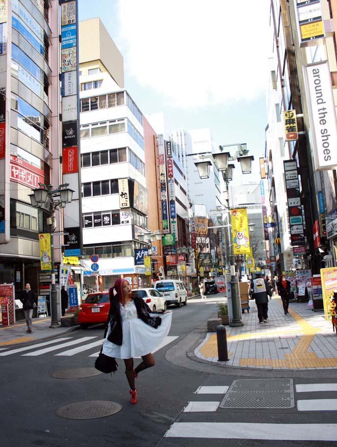 shinjuku street, buildings, tokyo kabukicho