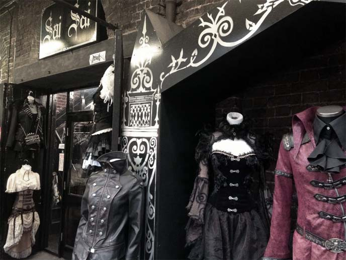 gothic lolita clothes london, goth fashion shop, sai sai, goth dresses london, goth england