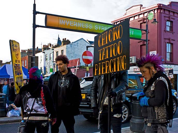 camden market punks, camden market, goths, london punks, england goths, goth travel tips