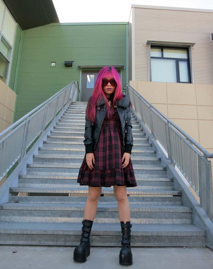 big bug-eye sunglasses, outfit posts, 90s goth, grunge fashion