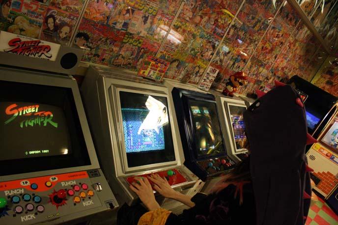 1980s game machines, retro games, odaiba tokyo decks