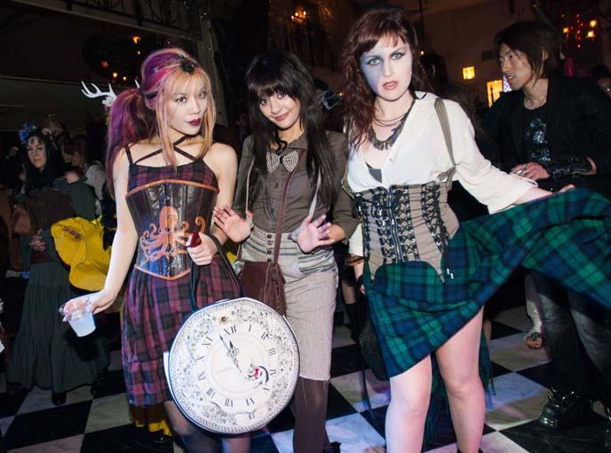 pageboy costume, plaid skirt braveheart