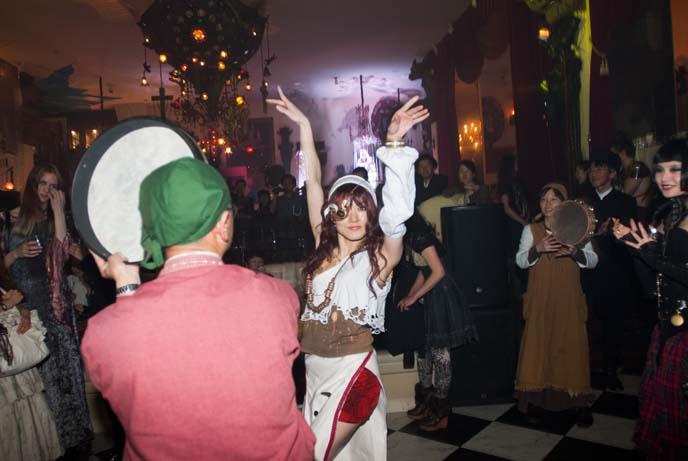 tokyo steampunk dancers, bellydancing