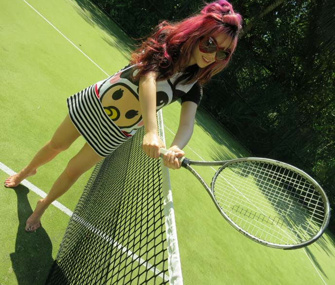 tennis court, playing tennis