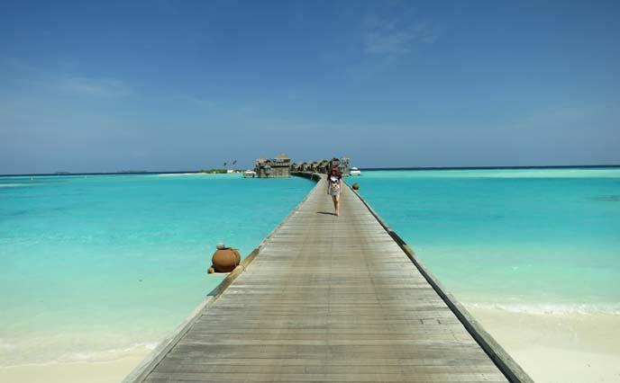 Maldives ocean, gili lankanfushi resort, wood jetty