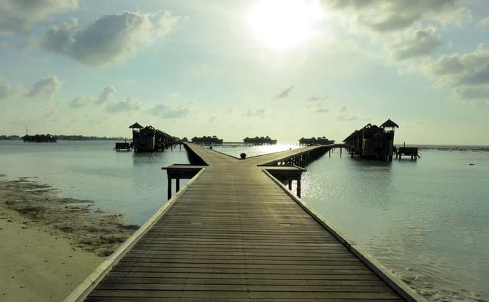 wood jetty, ocean boardwalk