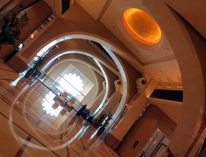 fairmont palm jumeirah hotel, dubai lobby