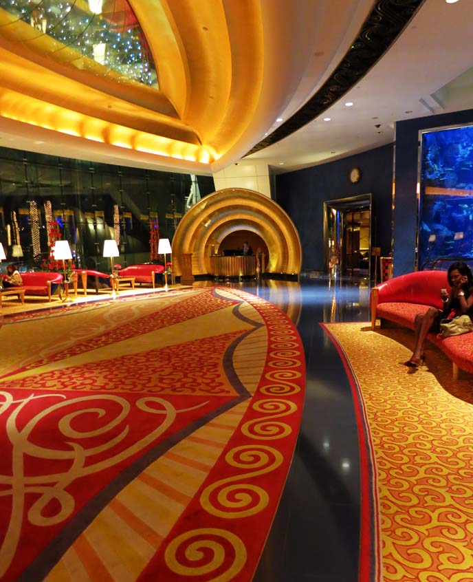 lobby Burj Al Arab, interior design, luxury hotels