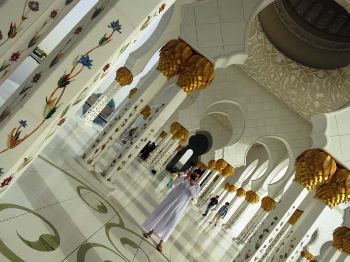 interior Sheikh Zayed Grand Mosque, art