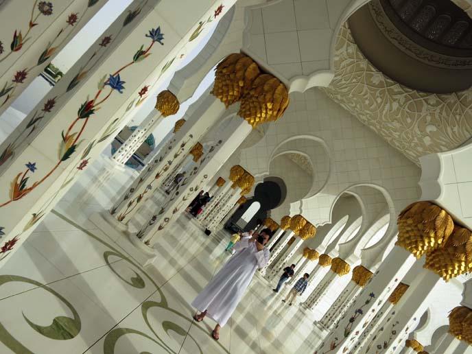 interior Sheikh Zayed Grand Mosque, art