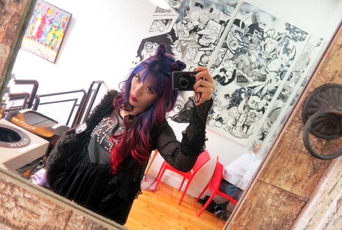 Montreal coffee shop, Ateliers au Grover, red ombre hair