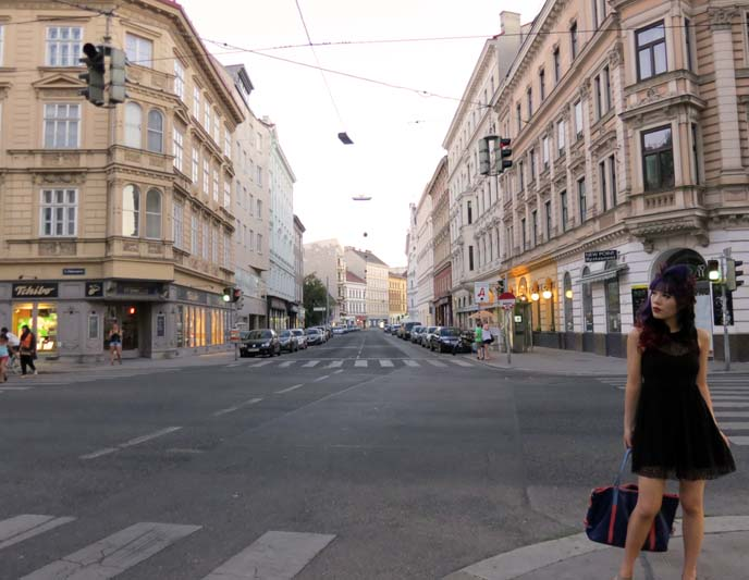 Vienna Austria street, fashion blogger