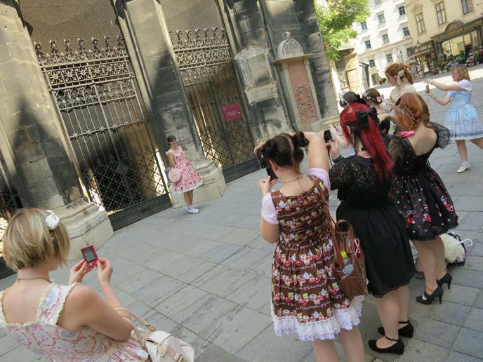 gothic lolita community, egl clothing