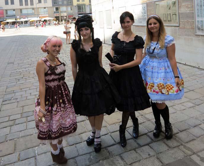 gothlolis, daily lolita outfits