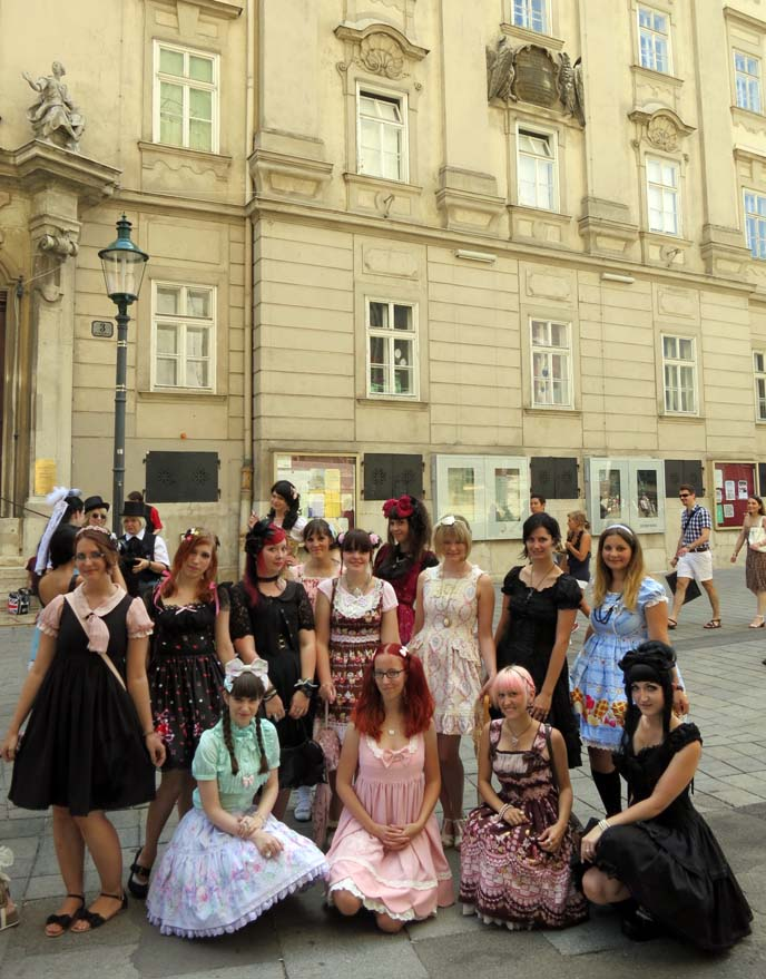 lolita fashion group photo