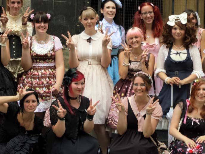 gothic lolita girls, egl community meetup