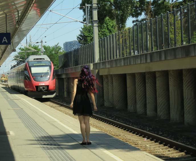 missing the train, railway