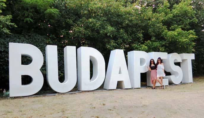 budapest sign, big sculpture sziget festival