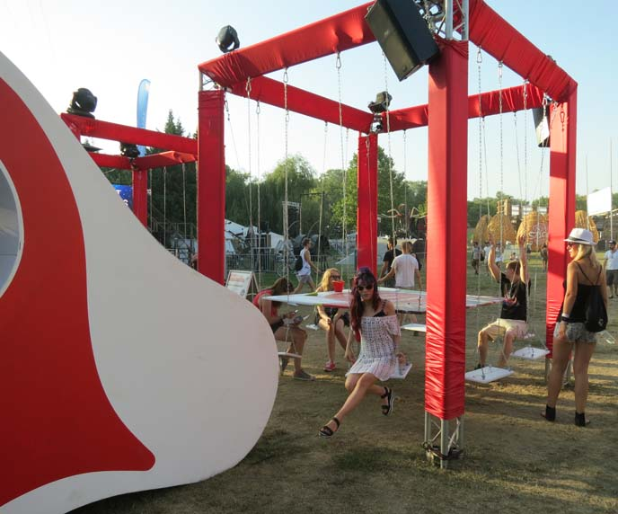 sziget music festival swings, art