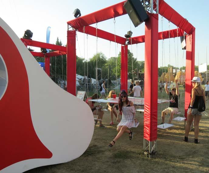 sziget music festival swings, art