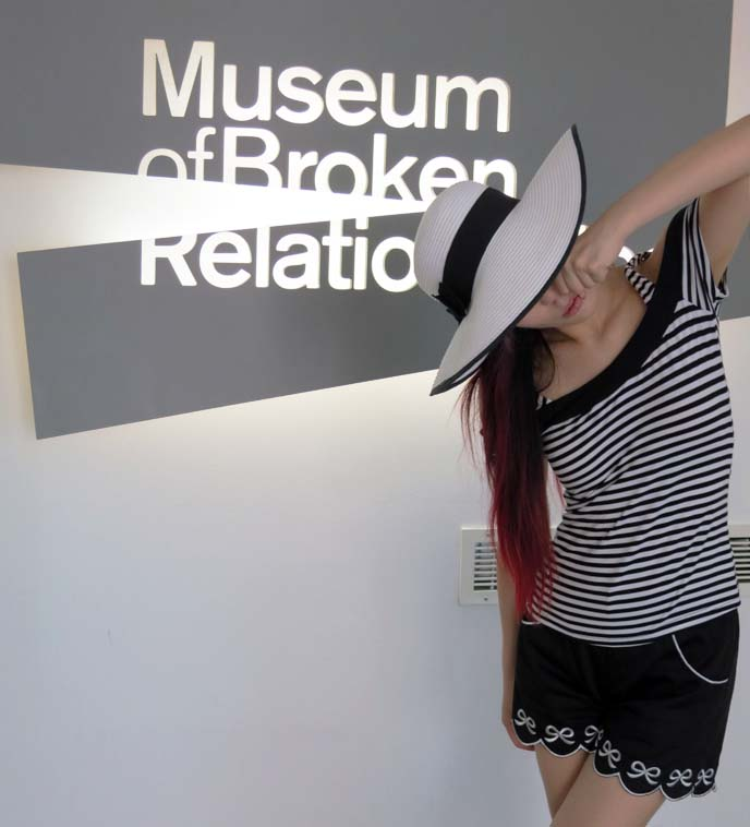 museum of broken relationships sign
