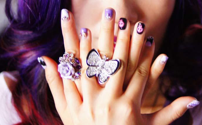 skull nail art, pastel goth nails