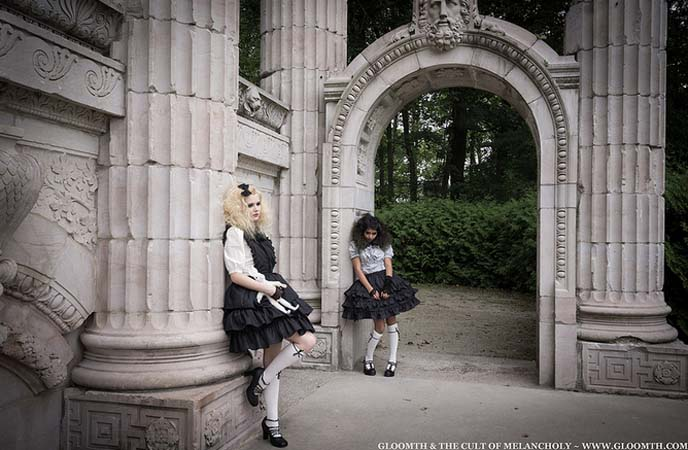 graveyard goths, modeling, undead dolls cemetery