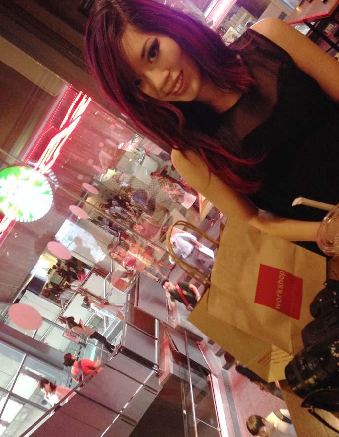 shopping fashion blogger