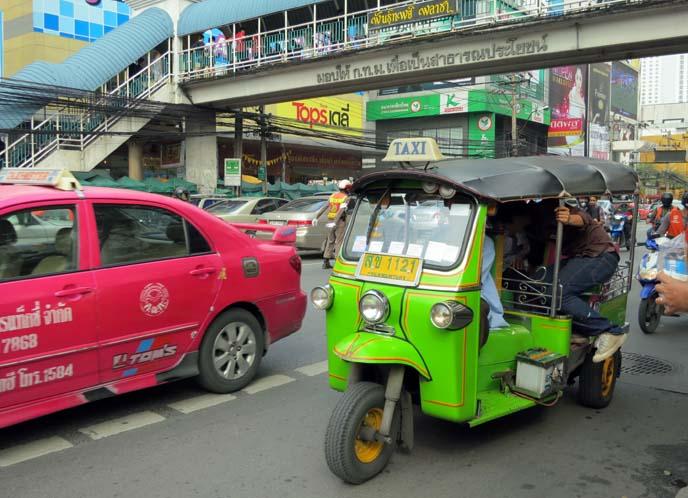 bangkok pink taxi, tuk tuk