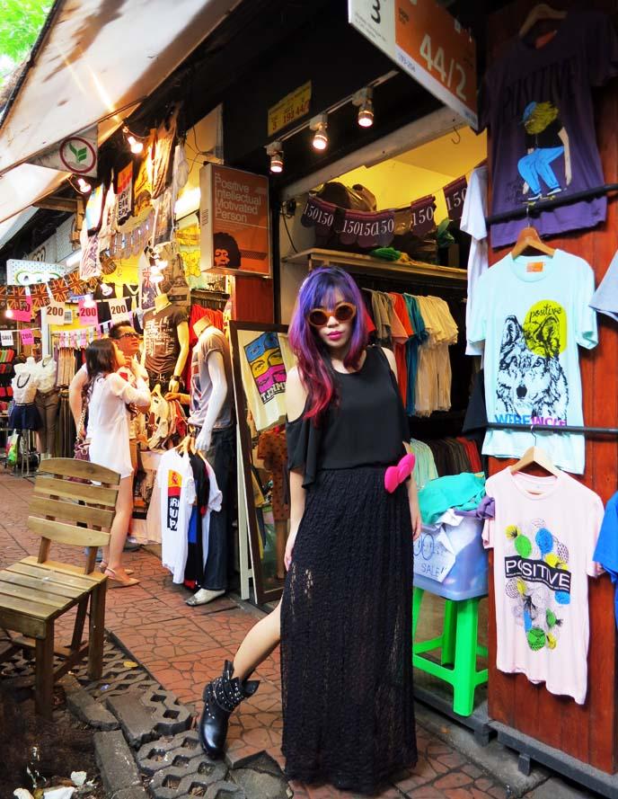 chatuchak weekend market shops