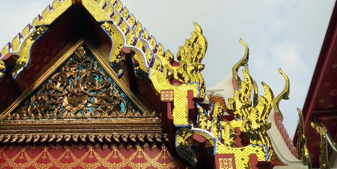 wat pho towers, thai temple roof