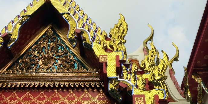 wat pho towers, thai temple roof